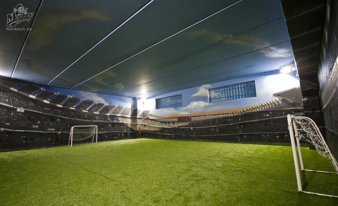 Trampantojo de 360 grados dando la impresion de estar en un campo de futbol